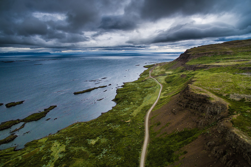 AD-Reasons-To-Visit-Iceland-With-A-Drone-11