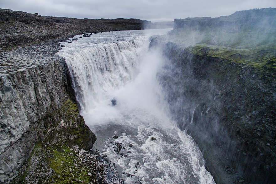 AD-Reasons-To-Visit-Iceland-With-A-Drone-19