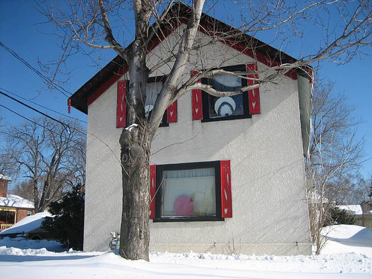 AD-Strange-Houses-With-Human-Faces-09