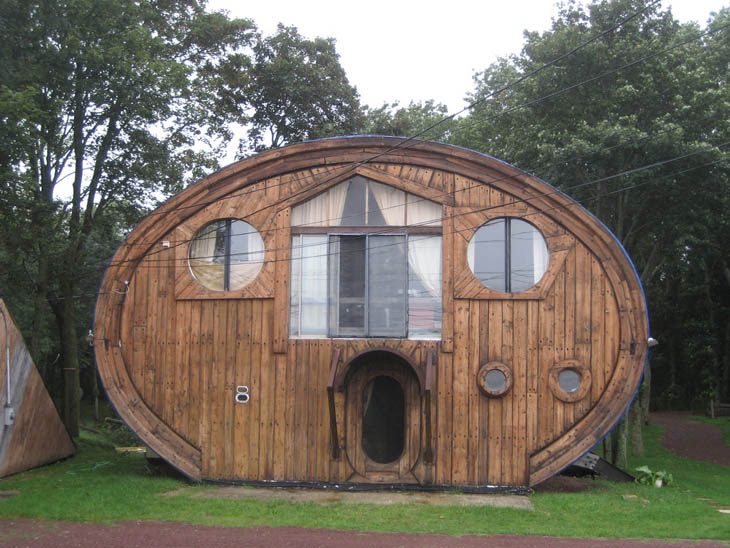 AD-Strange-Houses-With-Human-Faces-10