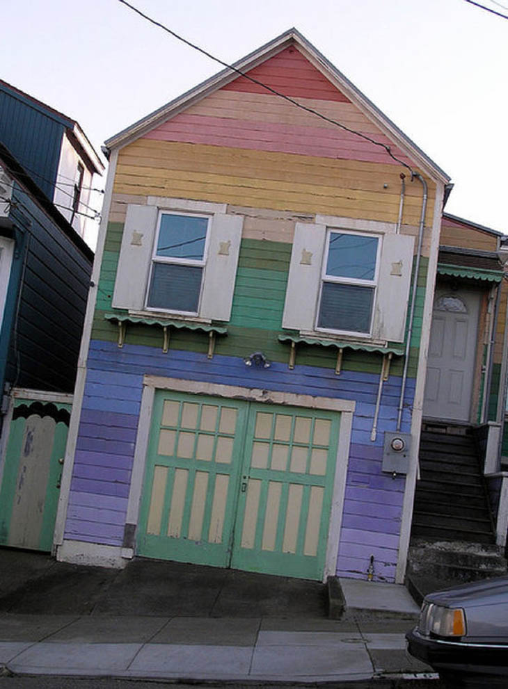 AD-Strange-Houses-With-Human-Faces-25