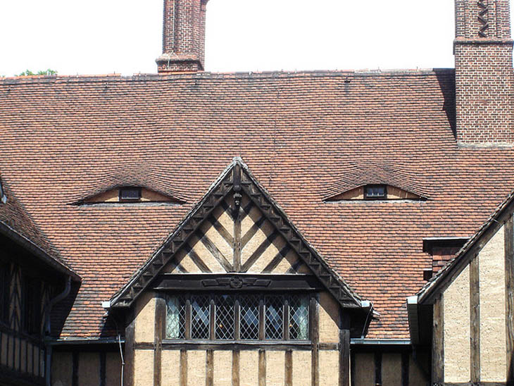 AD-Strange-Houses-With-Human-Faces-30