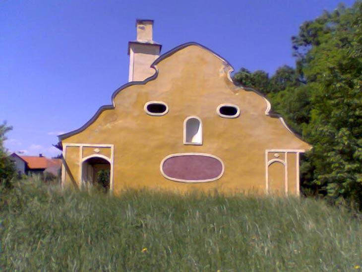 AD-Strange-Houses-With-Human-Faces-35