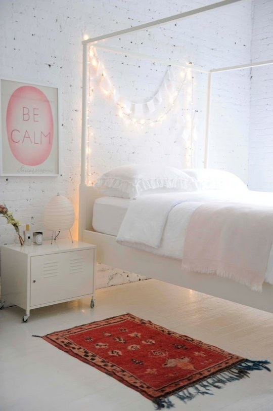 AD-Super-Cozy-Ways-To-Use-String-Lights-In-Your-Home-03