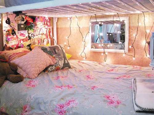 AD-Super-Cozy-Ways-To-Use-String-Lights-In-Your-Home-04