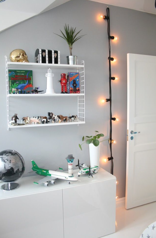 AD-Super-Cozy-Ways-To-Use-String-Lights-In-Your-Home-12