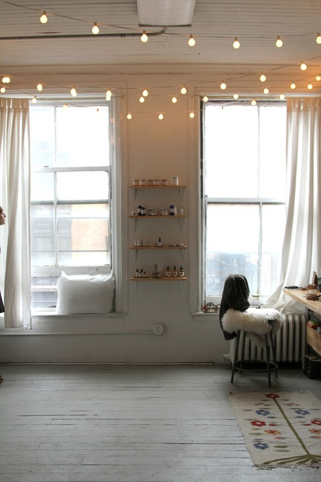 AD-Super-Cozy-Ways-To-Use-String-Lights-In-Your-Home-14