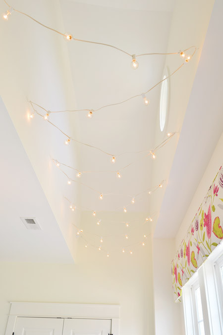 AD-Super-Cozy-Ways-To-Use-String-Lights-In-Your-Home-15