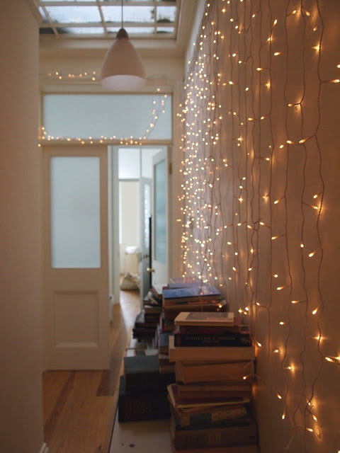AD-Super-Cozy-Ways-To-Use-String-Lights-In-Your-Home-19