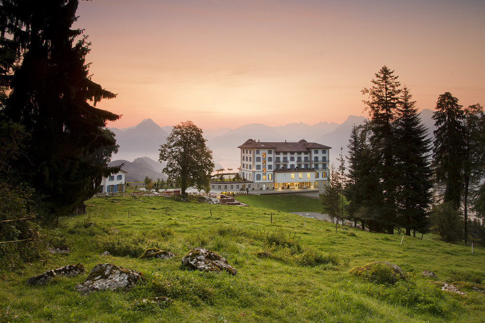 AD-The-Most-Secluded-Hotels-In-The-World-07