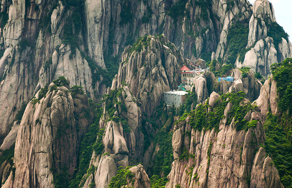 AD-The-Most-Secluded-Hotels-In-The-World-13