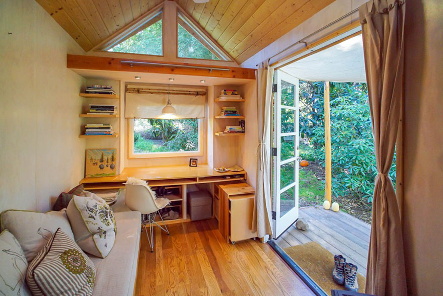 AD-These-People-Live-In-Houses-Smaller-Than-Your-Bedroom-19