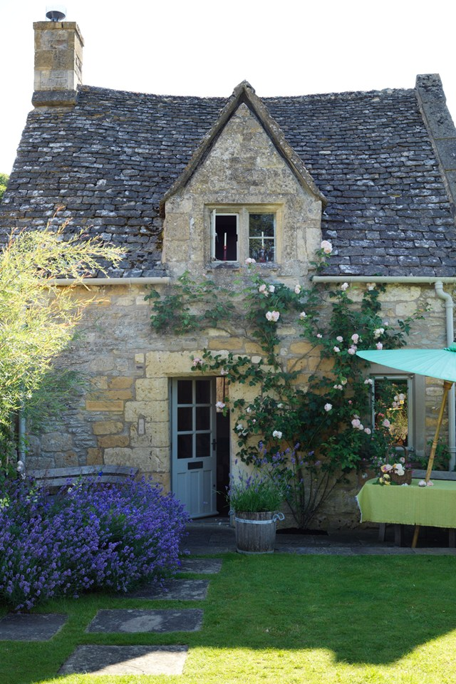 AD-18th-Century-Cottage-In-The-Cotswolds-22