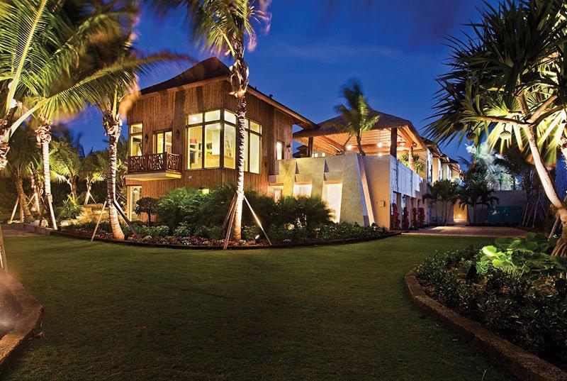 AD-Acqua-Liana-Water-Flower-Estate-By-Frank-Mckinney-Florida-16