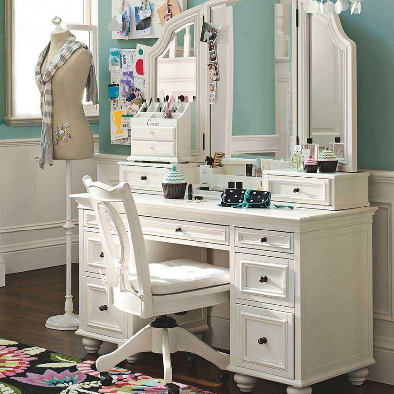 AD Chic Makeup Vanities 22