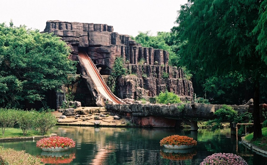 AD-China's-Theme-Park-Full-Of-World-Landmarks-20