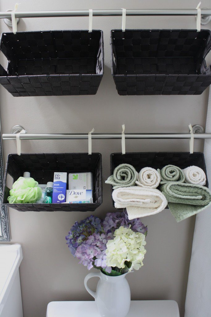 20 creative bathroom towel storage ideas for Unusual storage ideas