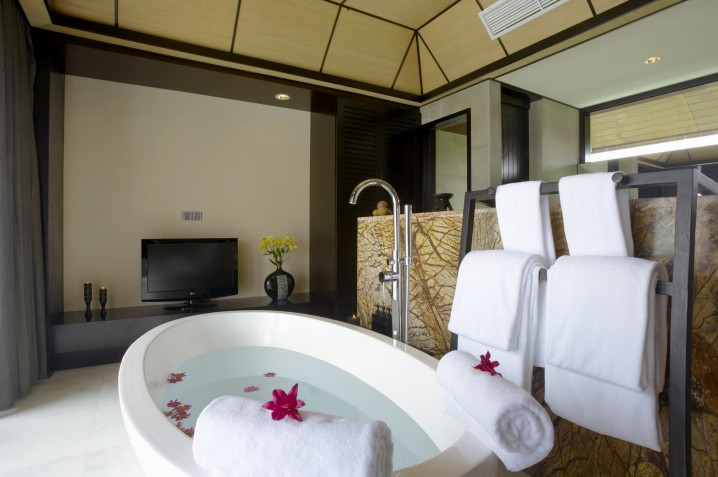 AD-Creative-Bathroom-Towel-Storage-Ideas-19