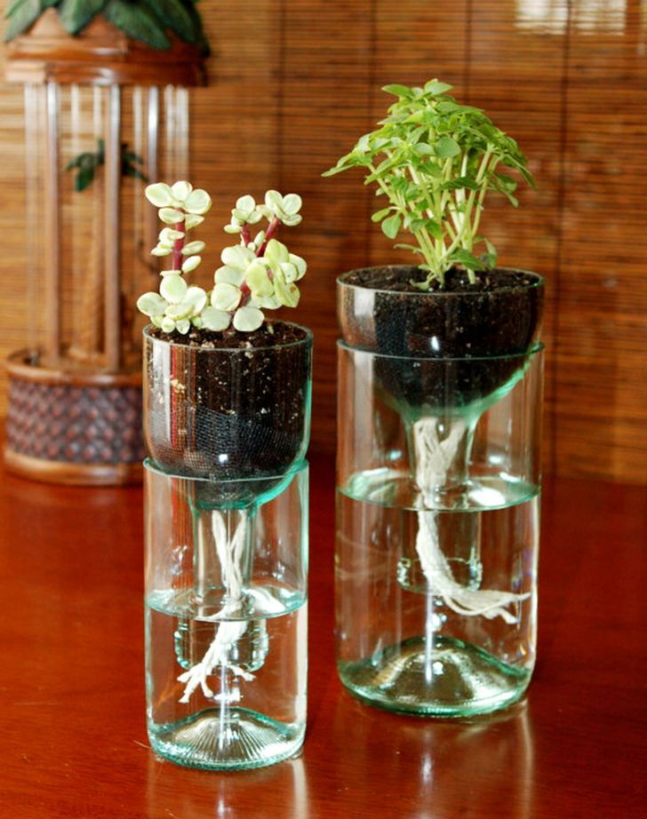 flower vase design plastic bottle with Diy Projects For Old Glass Bottles on Diy Projects For Old Glass Bottles as well Realiser Jardin Vertical Exterieur Bouteilles Plastiques besides Watch moreover Kerala Mural Style Pot Painting besides Different Types Hand Embroidery Stitches.