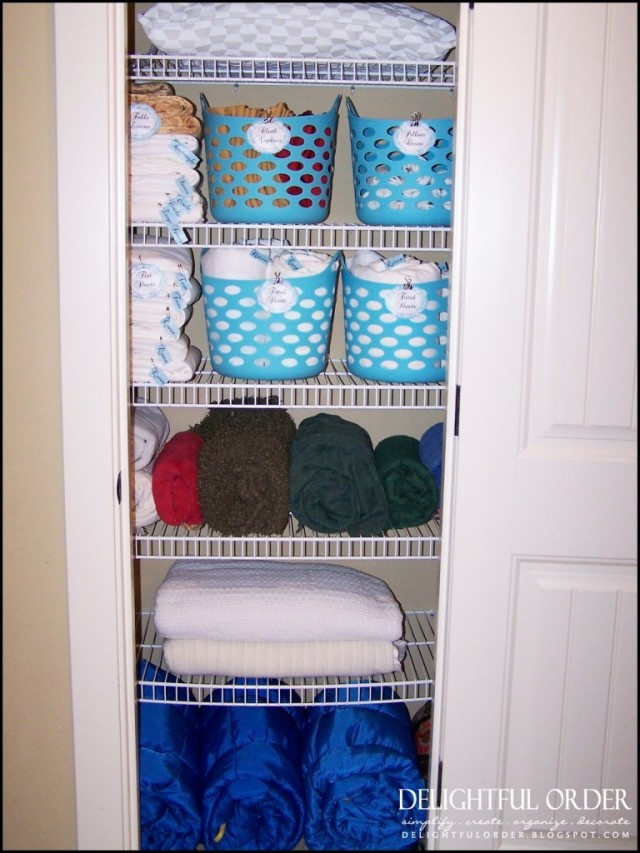 AD-DIY-Storage-Ideas-To-Organize-your-Bathroom-10