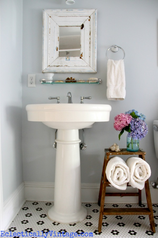 30 diy storage ideas to organize your bathroom for Pictures for your bathroom