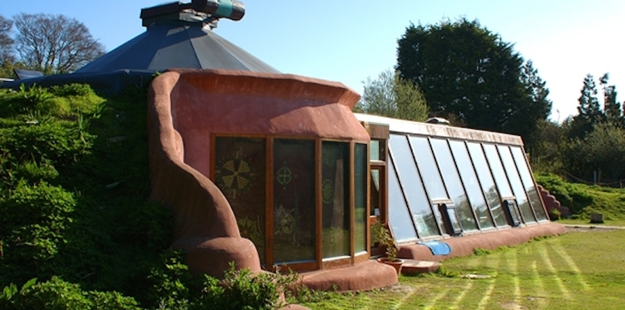 AD-Earthship-Sustainable-Homes-01