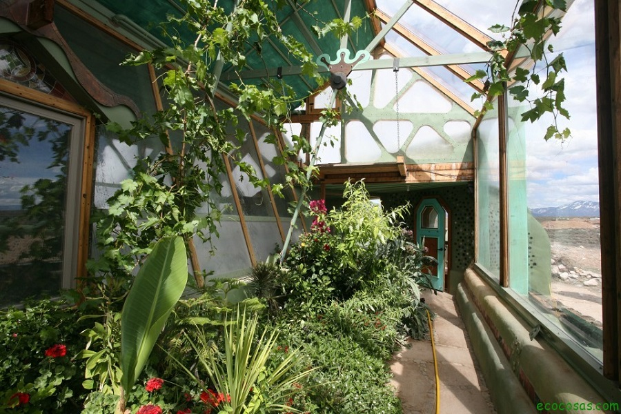 AD-Earthship-Sustainable-Homes-14