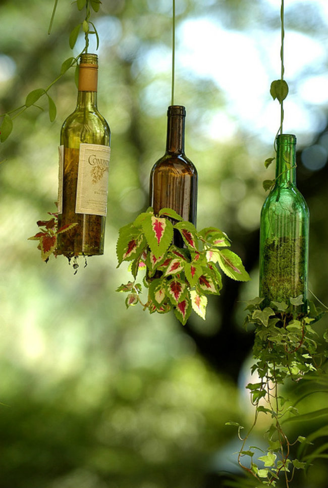 AD-Empty-Wine-Bottle-Into-A-Practical-Work-Of-Art-05