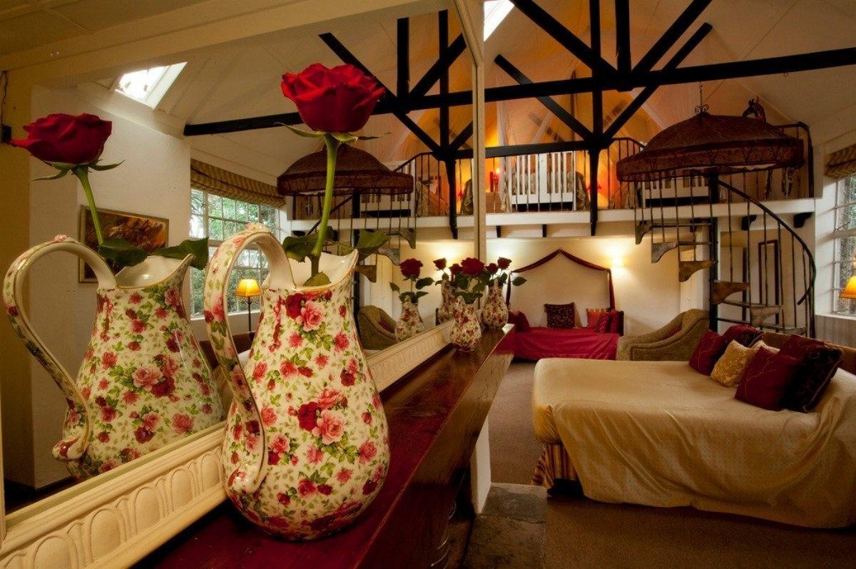 AD-Girrafe-Manor-Nairobi-Kenya-13