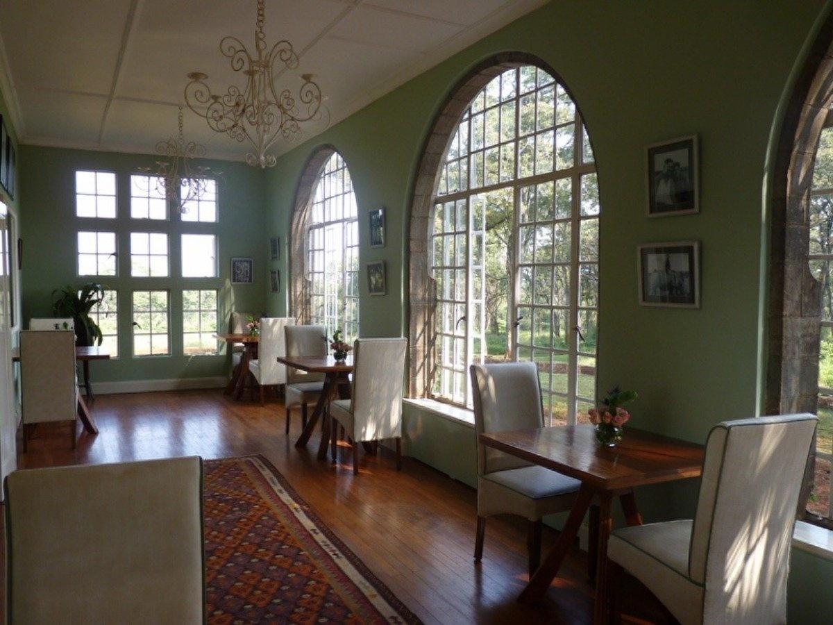 AD-Girrafe-Manor-Nairobi-Kenya-15