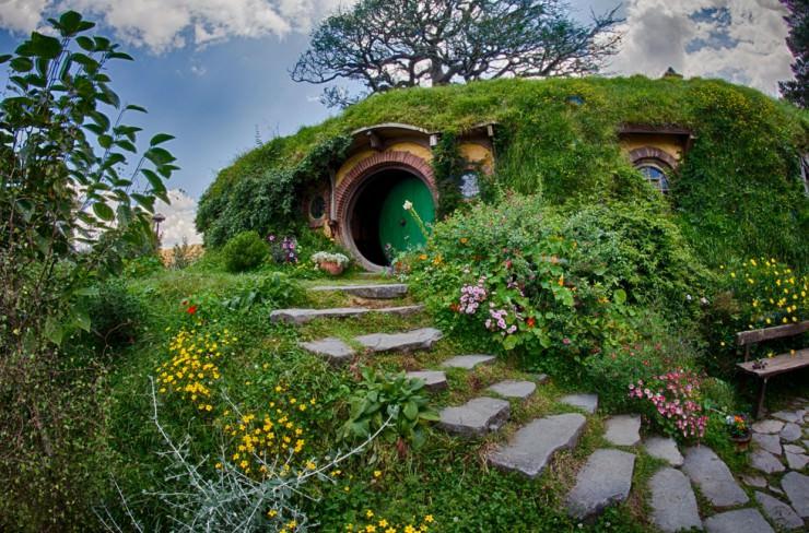 Ad Hobbiton Movie Set Tour New Zealand 05a