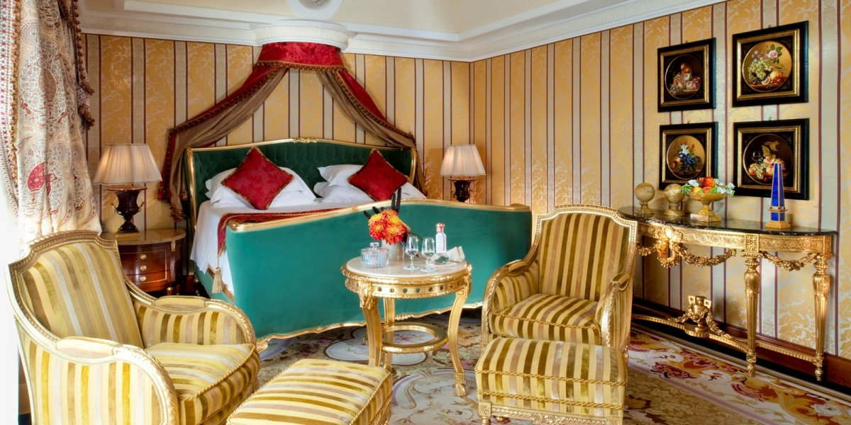 AD-Insanely-Lavish-Hotel-Suits-To-Stay-In-Before-You-Die-04