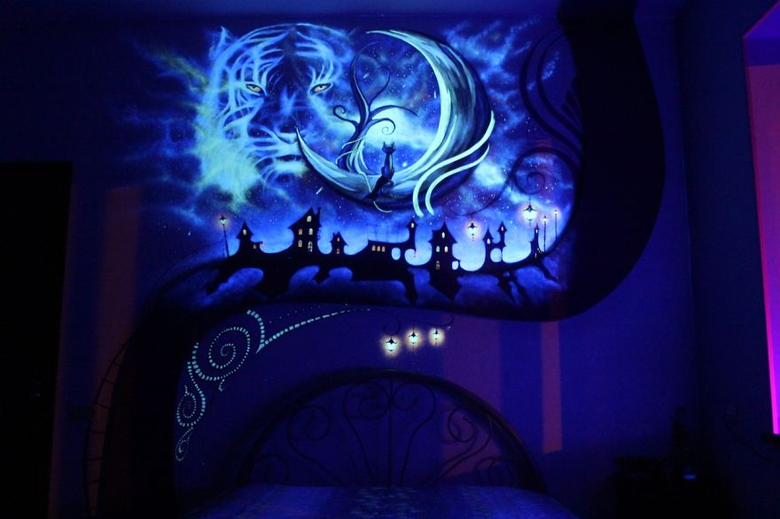 AD-K-S-Fairytale-ie-Mesmerizing-3D-Glow-In-The-Dark-Mural-07