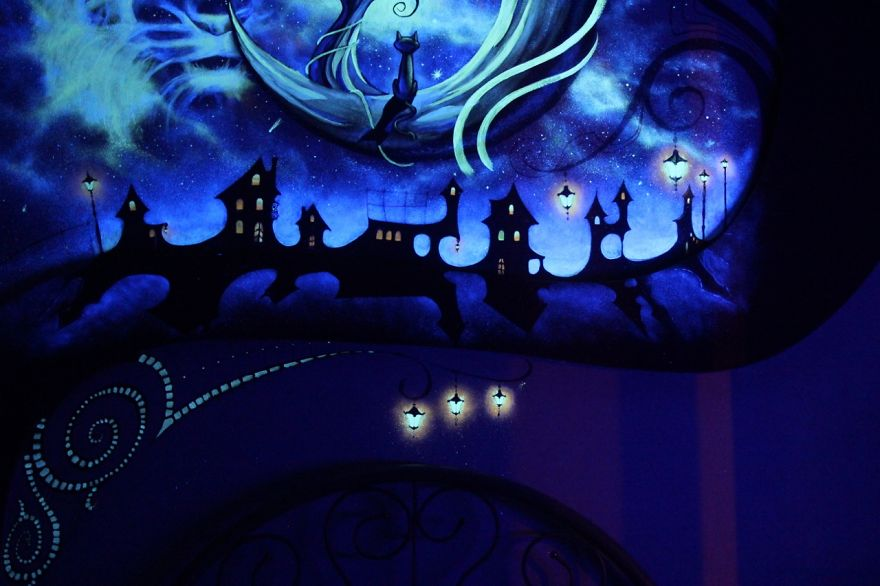 AD-K-S-Fairytale-ie-Mesmerizing-3D-Glow-In-The-Dark-Mural-09