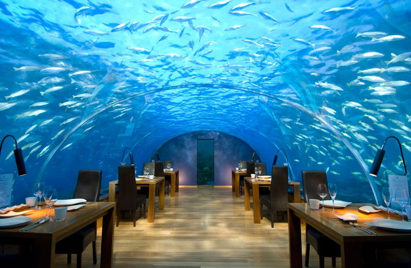 AD-Restaurants-In-Unforgettable-Settings-01