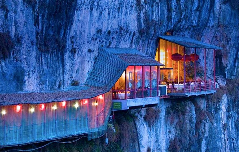 AD-Restaurants-In-Unforgettable-Settings-17