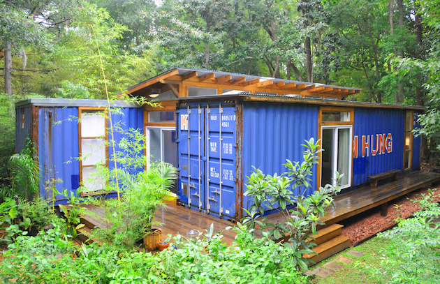 AD-Spectacular-Living-Spaces-Made-From-Recycled-Shipping-Containers-07