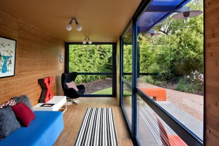 AD-Spectacular-Living-Spaces-Made-From-Recycled-Shipping-Containers-17