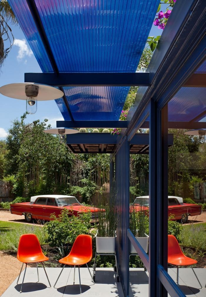 AD-Spectacular-Living-Spaces-Made-From-Recycled-Shipping-Containers-19