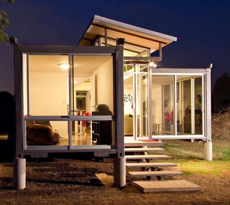 AD-Spectacular-Living-Spaces-Made-From-Recycled-Shipping-Containers-22