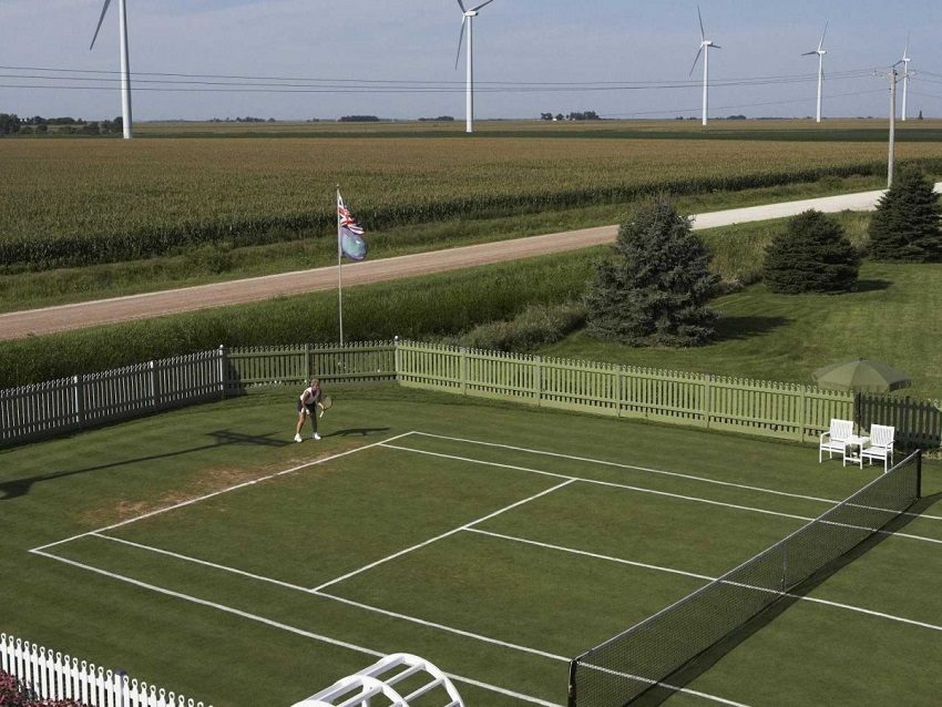 AD-Spectacular-Tennis-Courts-Around-The-World-07