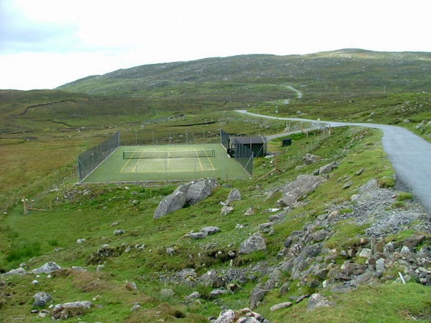 AD-Spectacular-Tennis-Courts-Around-The-World-12