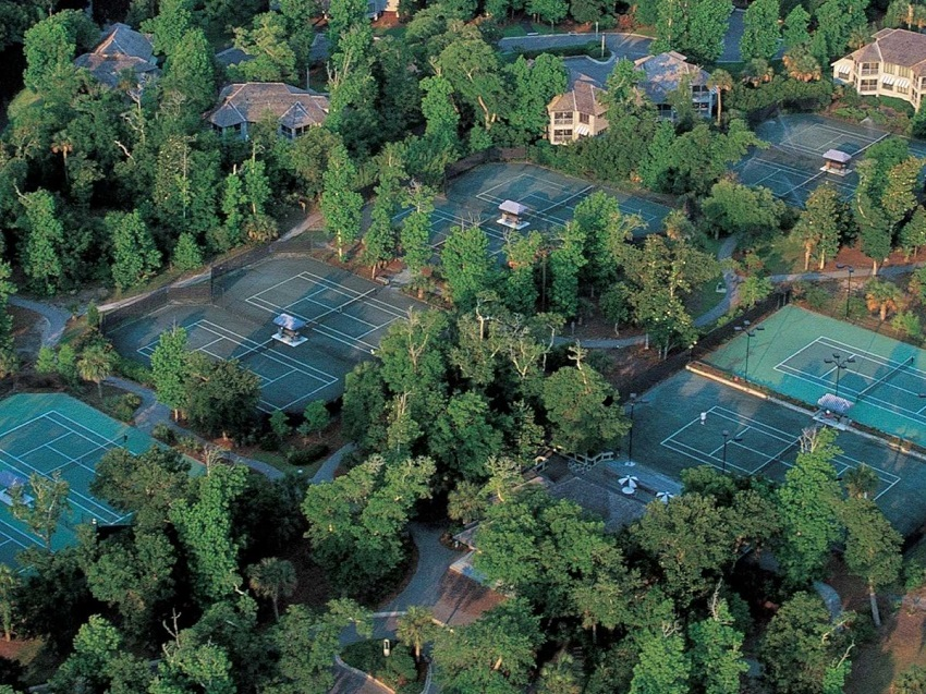 AD-Spectacular-Tennis-Courts-Around-The-World-13