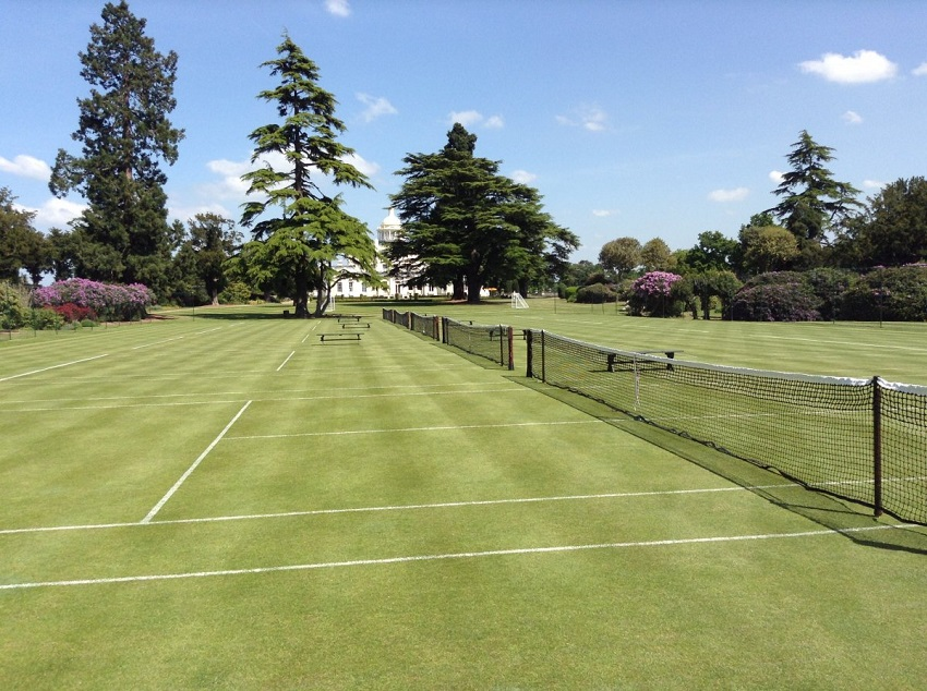 AD-Spectacular-Tennis-Courts-Around-The-World-18