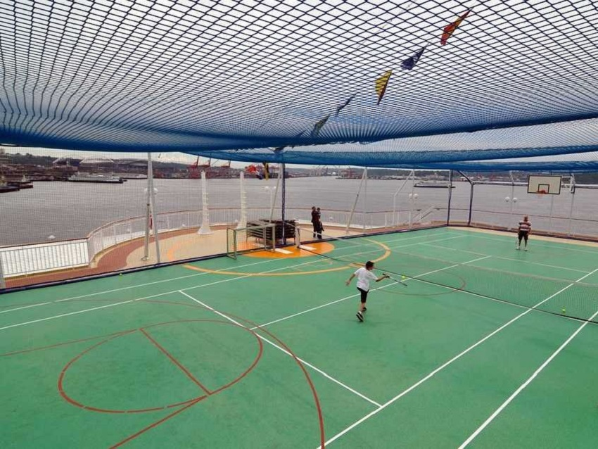 AD-Spectacular-Tennis-Courts-Around-The-World-19