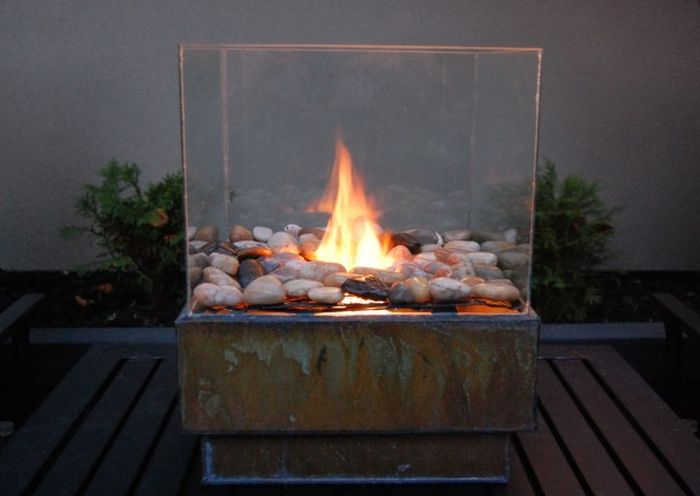 AD-Stay-Warm-And-Cozy-With-These-35-DIY-Fire-Pit-Tutorials-05