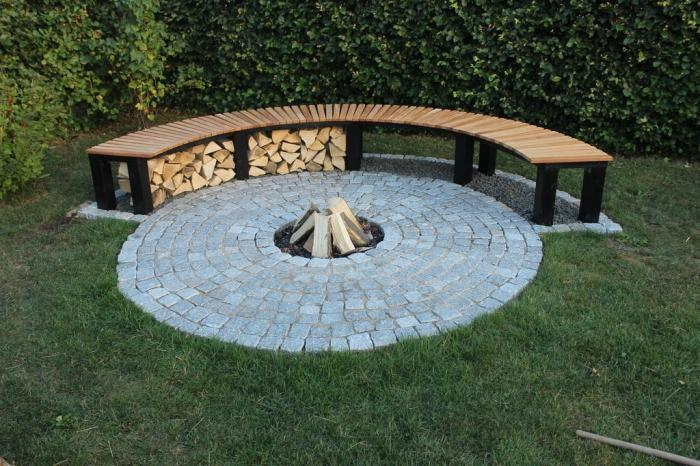AD-Stay-Warm-And-Cozy-With-These-35-DIY-Fire-Pit-Tutorials-10