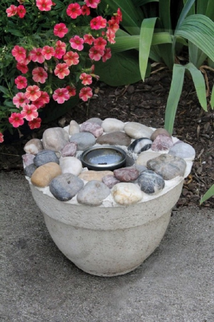 AD-Stay-Warm-And-Cozy-With-These-35-DIY-Fire-Pit-Tutorials-26