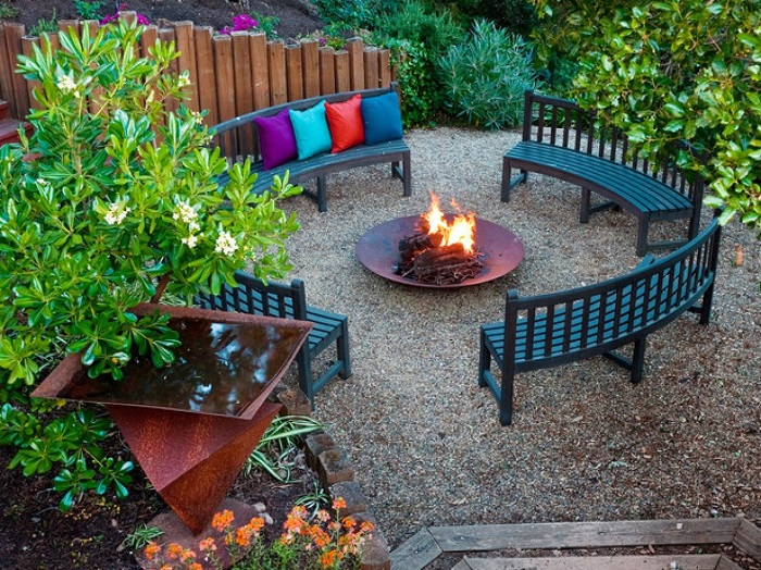 AD-Stay-Warm-And-Cozy-With-These-35-DIY-Fire-Pit-Tutorials-38