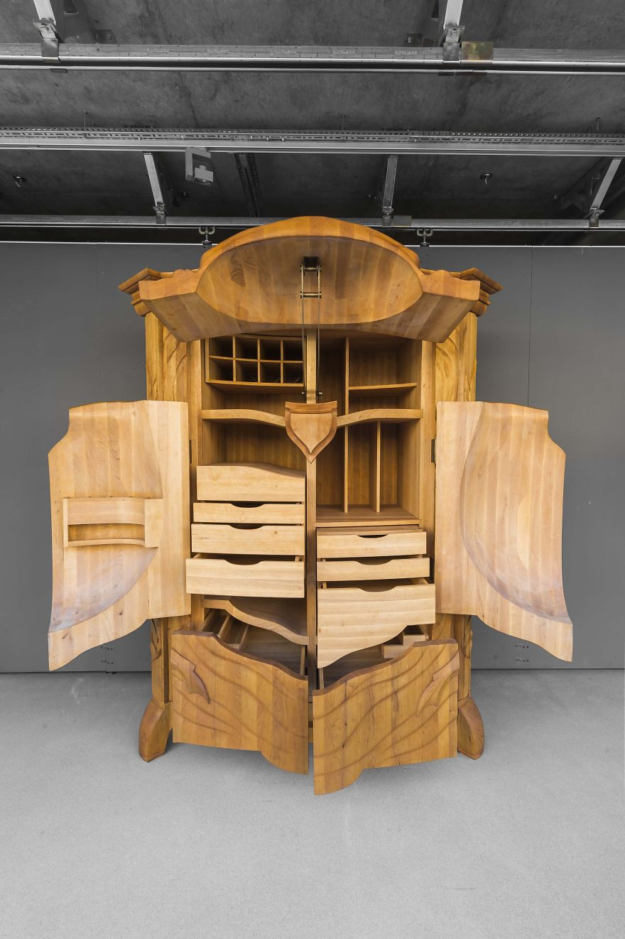 AD-The-Beetle-Cabinet-By-Janis-Straupe-03